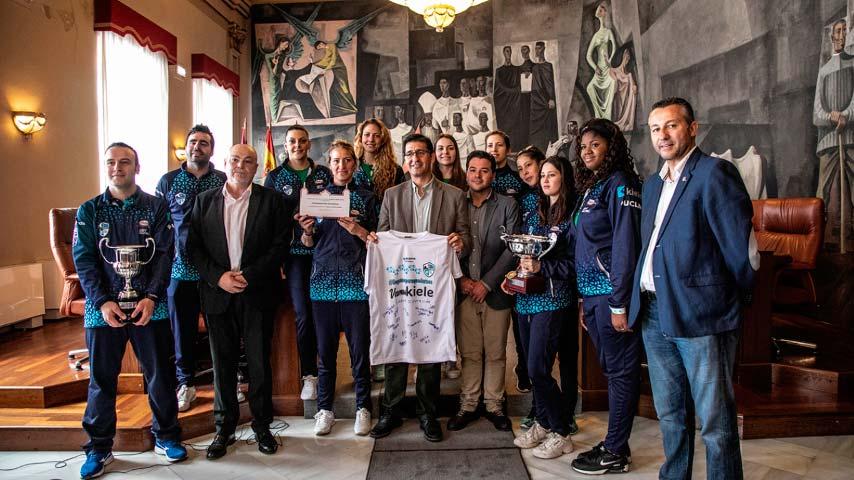 El Kiele, Campeón de Superliga 2 Femenina de Voleibol, es recibido por la Diputación